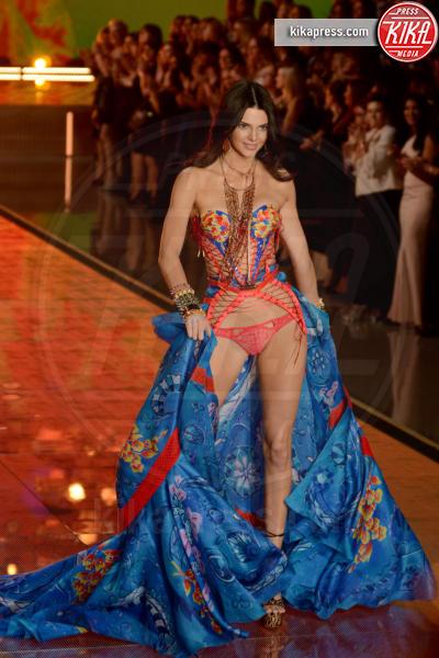 Kendall Jenner - Queens - 11-11-2015 - Victoria's Secret Fashion Show, 20 anni di angeli in lingerie