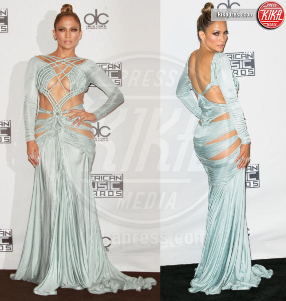 Jennifer Lopez - Los Angeles - 23-11-2015 - Le star che sanno osare: sensualità over 50 sul red carpet