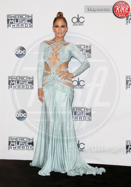 Jennifer Lopez - Los Angeles - 22-11-2015 - Ha quasi 50 anni ma sul red carpet la più sexy è sempre lei