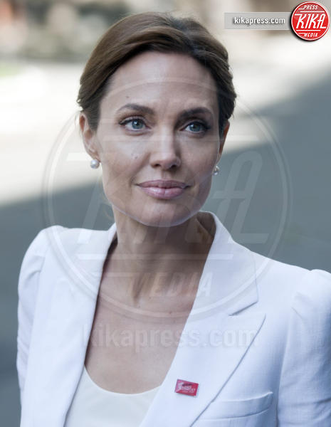 Angelina Jolie - Londra - 24-11-2015 - Anjelina Jolie presto potrebbe salire sull'Orient Express...