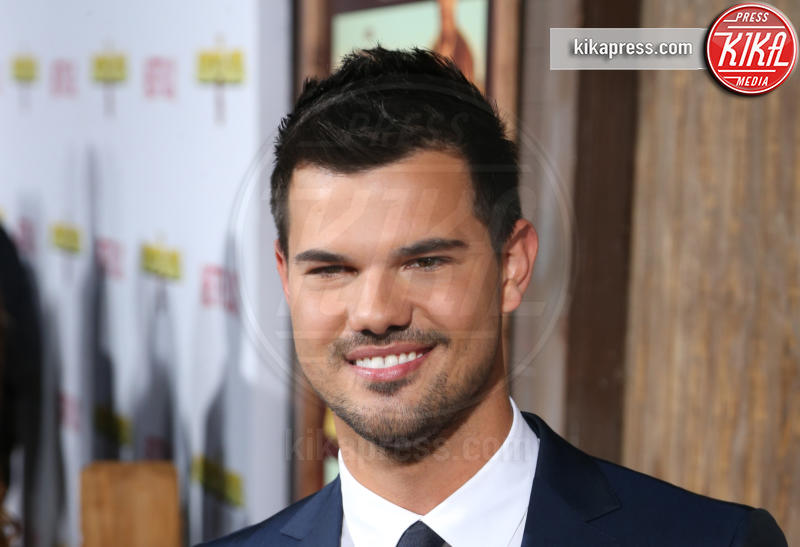 Taylor Lautner - Universal City - 01-12-2015 - Taylor Lautner nella seconda stagione di Scream Queens