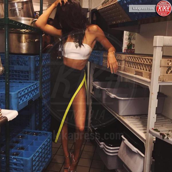 Kendall Jenner - Los Angeles - 01-12-2015 - Kendall Jenner nuda su Instagram, ma c'è il trucco!