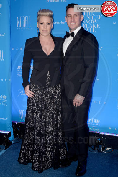 Carey Hart, Pink - New York - 02-12-2015 - Scarlett Johansson: