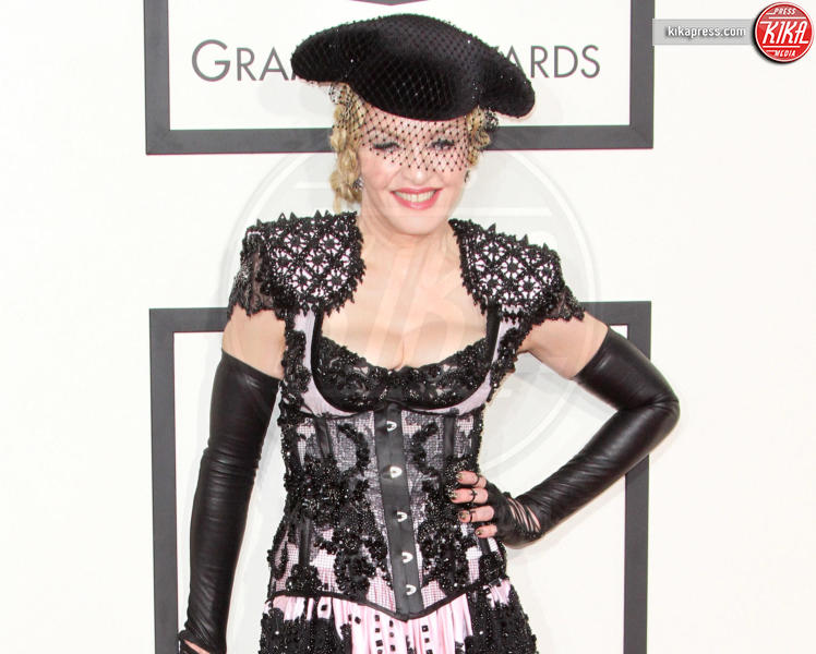 Madonna - Los Angeles - 08-02-2015 - Grammy Awards 2015: Madonna alza la gonna