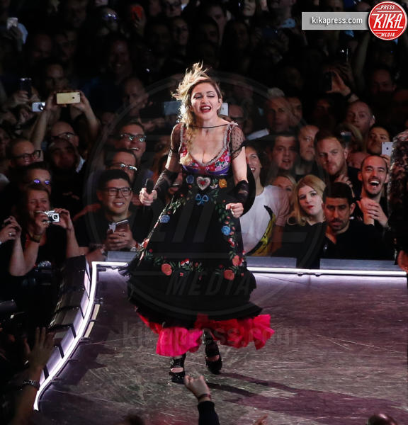 Madonna - Amsterdam - 06-12-2015 - Madonna choc: