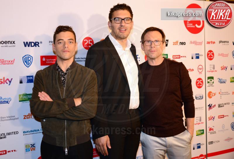 Sam Esmail, Rami Malek, Christian Slater - Cologne - 28-09-2015 - Mr Robot, dal 3 marzo in tv su Mediaset Premium