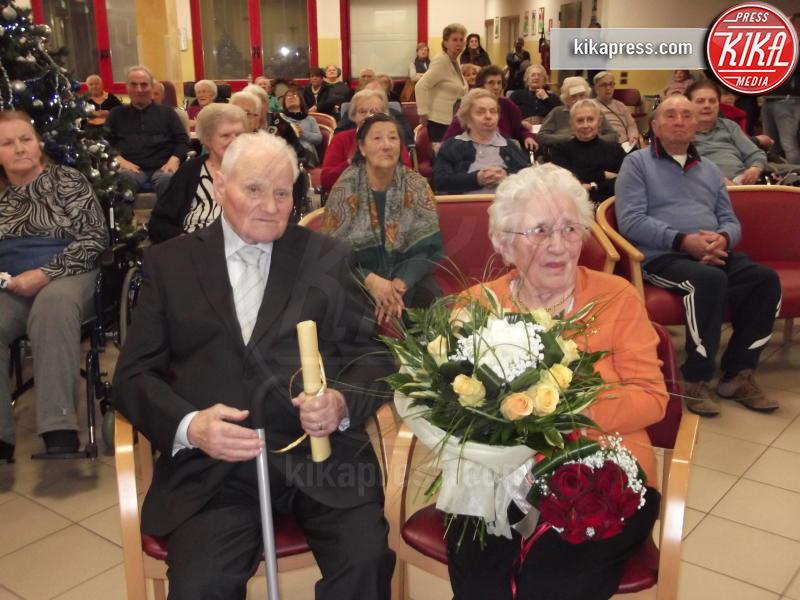 giuseppe lazzeroni, rina bertasi - Brescia - 30-11-2015 - Coniugi Pinì, il film di una vita insieme: 75 anni d'amore