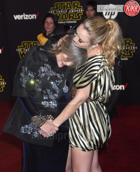 Billie Lourd, Carrie Fisher - Hollywood - 14-12-2015 - Billie Lourd, prima intervista dalla morte di Carrie Fisher