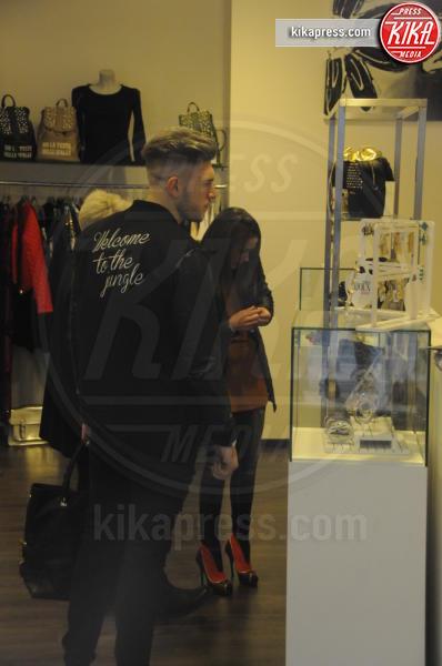 Salvatore Di Carlo, Teresa Cilia - Milano - 12-12-2015 - Teresa e Salvatore, da Temptation Island... allo shopping!