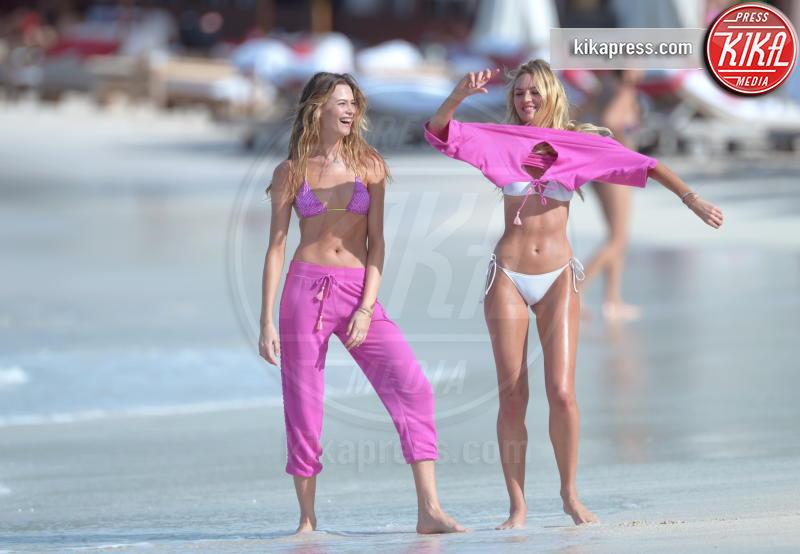 Behati Prinsloo, Candice Swanepoel - Saint Barts - 14-12-2015 -  Victoria's Secret, backstage vietato ai deboli di cuore