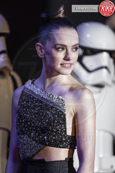 Daisy Ridley - Londra - 16-12-2015 - Star Wars 8: nel cast anche Benicio Del Toro e Laura Dern