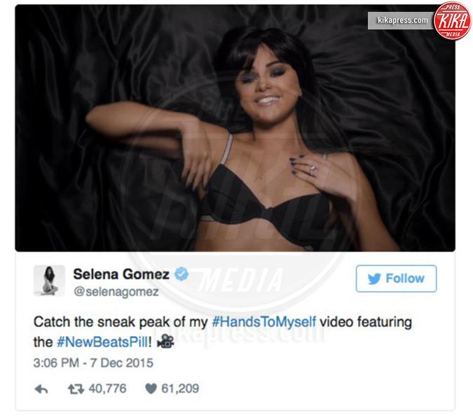 Selena Gomez - Los Angeles - 26-12-2015 - Selena Gomez è una sexy stalker nel video di Hands To Myself