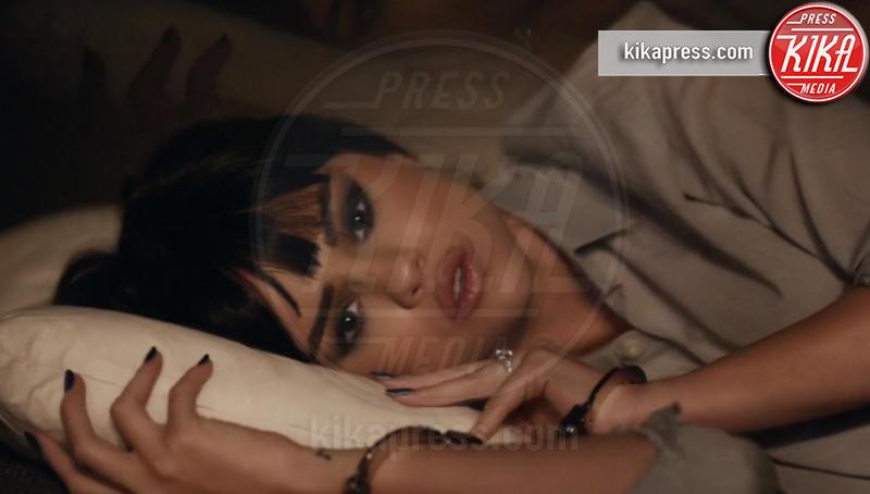Selena Gomez - Los Angeles - 26-12-2015 - Selena Gomez si ferma per il Lupus eritematoso sistemico