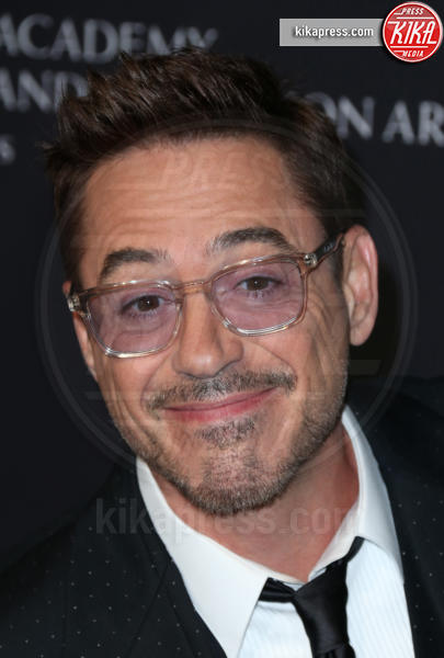 Robert Downey Jr - Beverly Hills - 30-10-2014 - Robert Downey Jr. lavora a una serie tv su Perry Mason
