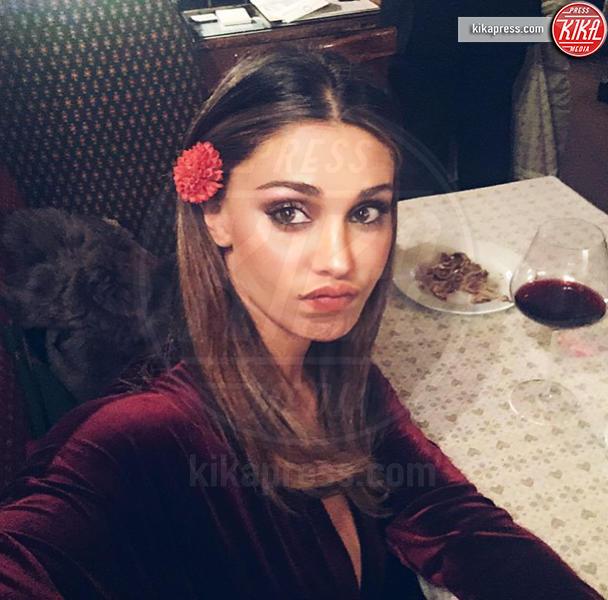 Belen Rodriguez - Milano - 28-12-2015 - Orge in canonica, l'assistente di Belen Rodriguez coinvolto