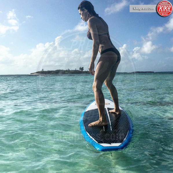 Elisabetta Canalis - Bahamas - 29-12-2015 - Elisabetta Canalis vola alle Bahamas con Skyler Eva
