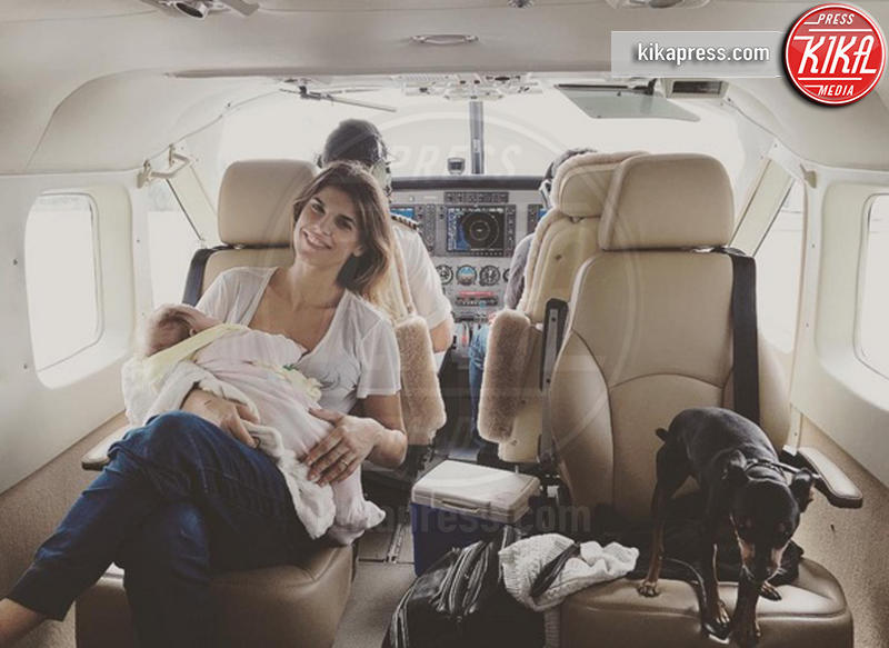 Skyler Eva Perri, Elisabetta Canalis - Bahamas - 29-12-2015 - Elisabetta Canalis vola alle Bahamas con Skyler Eva