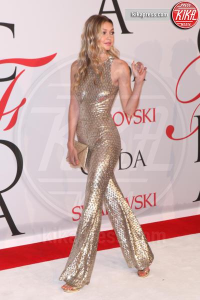 Gigi Hadid - New York - 01-06-2015 - Chi lo indossa meglio: Jennifer Lopez o Gigi Hadid?