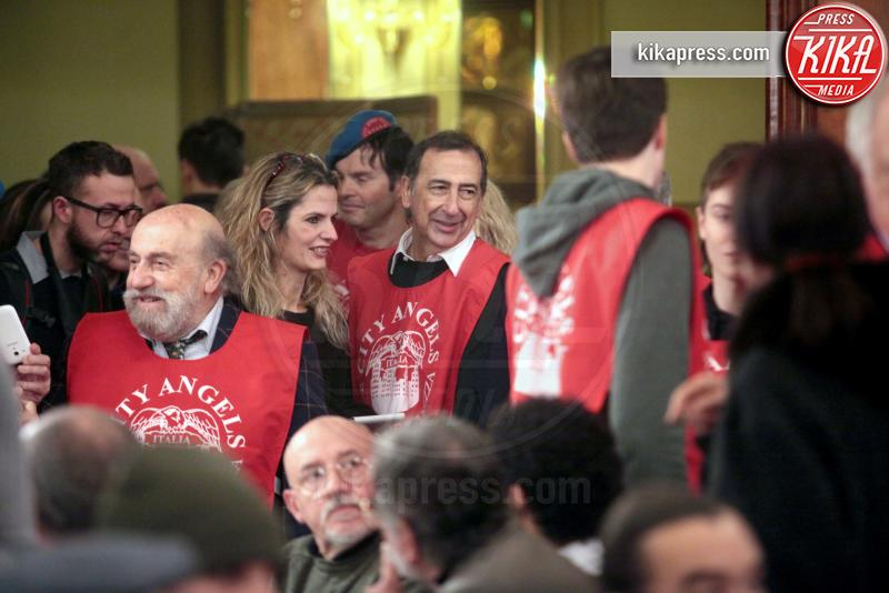Giuseppe Sala, Enrico Beruschi - Milano - 06-01-2016 - Uno per tutti, tutti per la... befana dei Clochard!