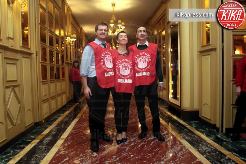 Francesca Balzani, Pierfrancesco Majorino, Giuseppe Sala - Milano - 06-01-2016 - Uno per tutti, tutti per la... befana dei Clochard!