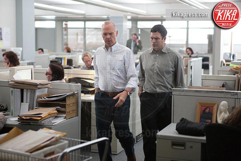 Spotlight, Mark Ruffalo, Michael Keaton - Hollywood - 08-01-2016 - 88th Oscar, cede un faro in sala stampa mentre parla McCarthy