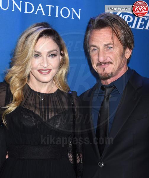 Madonna, Sean Penn - Beverly Hills - 09-01-2016 - Madonna, la foto scatena il web: che figuraccia!