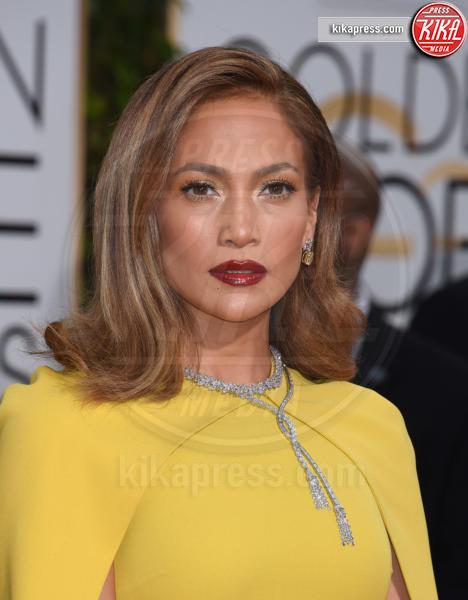 Jennifer Lopez - Beverly Hills - 10-01-2016 - Specchio delle mie brame,ho le sopracciglia più belle del reame?