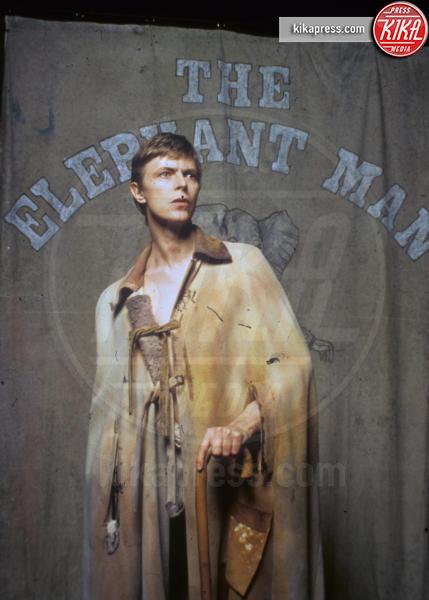 The Elephant Man, David Bowie - 01-01-1980 - David Bowie, l'uomo che cadde sulla Terra