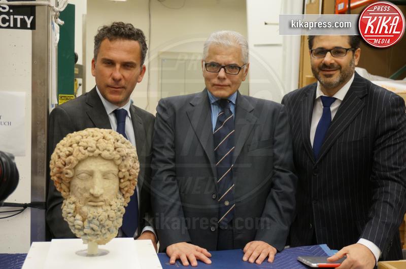 Sergio Lo Cicero, Testa di Ade, Francesco Rio, Antonio Verde - Los Angeles - 26-01-2015 - Il Getty Museum di L.A. restituisce all'Italia la Testa di Ade