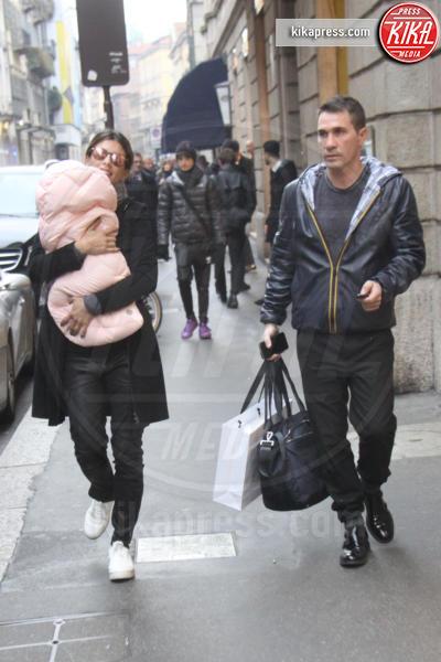 Skyler Eva Perri, Brian Perri, Elisabetta Canalis - Milano - 28-01-2016 - Elisabetta Canalis, selfie con Kim Kardashian