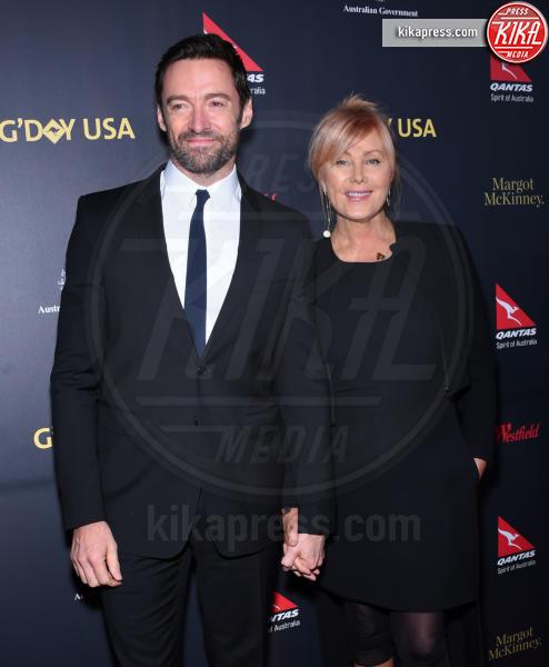 Deborra-Lee Furness, Hugh Jackman - Los Angeles - 28-01-2016 - Da Halle Berry a Brigitte Macron: le donne amano i giovani