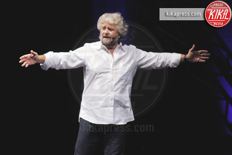 Beppe Grillo - Milano - 02-02-2016 - Beppe Grillo e l'arringa contro...Beppe Grillo
