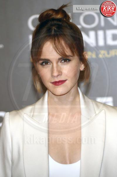 Emma Watson - Berlino - 05-02-2016 - Emma Watson ricicla gli abiti... non il fidanzato!