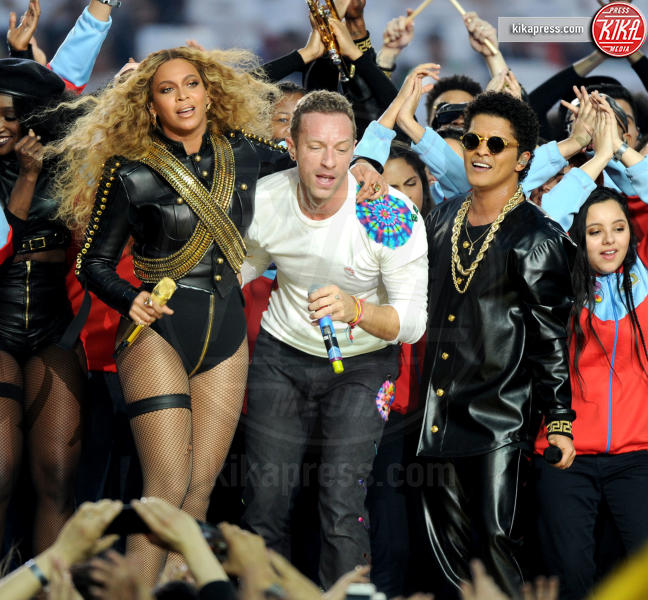 Bruno Mars, Chris Martin, Beyonce Knowles - Santa Clara - 07-02-2016 - Grammy 2016: Uptown Funk Best Record of the Year