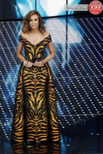 Madalina Ghenea - Sanremo - 09-02-2016 - Sanremo 2016: fuori dall'Ariston, la sfilata è en plein air!