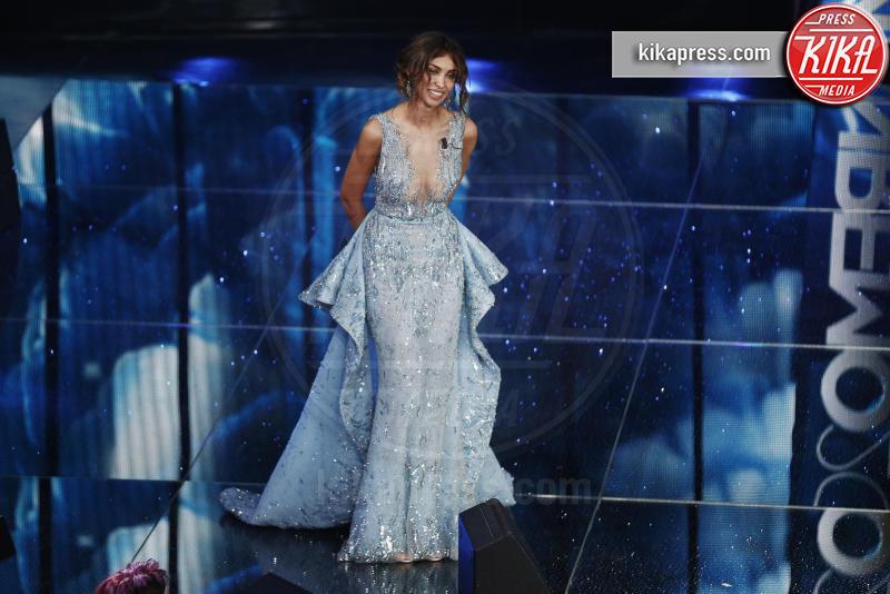Madalina Ghenea - Sanremo - 10-02-2016 - Sanremo 2016: fuori dall'Ariston, la sfilata è en plein air!