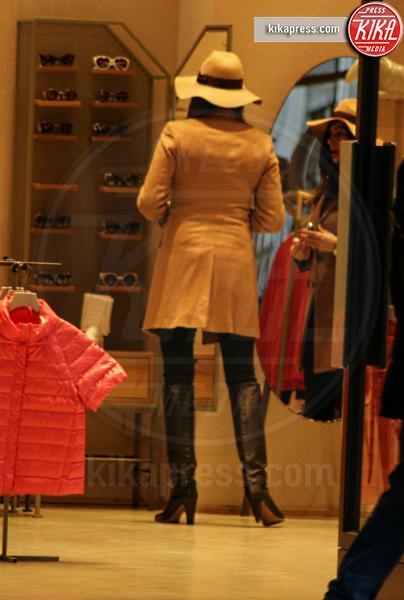 Mamma Ilaria D'Amico, Ilaria d'Amico - Milano - 11-02-2016 - Ilaria D'Amico, shopping pre-vacanza?