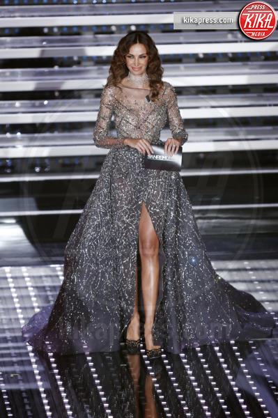 Madalina Ghenea - Sanremo - 13-02-2016 - Chi lo indossa meglio? Sanremo vs Hollywood