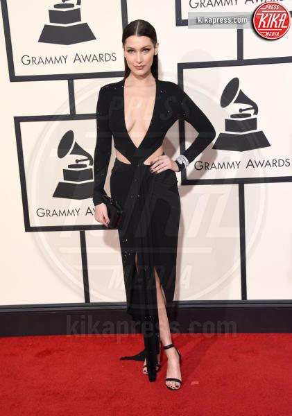 Bella Hadid - Los Angeles - 15-02-2016 - Chi lo indossa meglio? Lily Aldridge e Bella Hadid