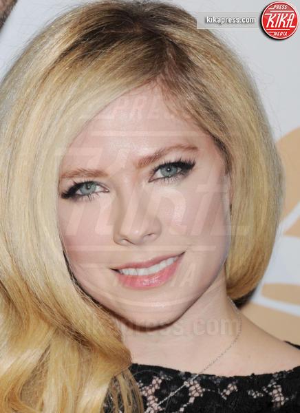 Avril Lavigne - Beverly Hills - 16-02-2016 - Gigi Hadid è malata: