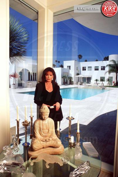 Jackie Collins - 17-07-1995 - A 5 mesi dalla morte in vendita la villa di Jackie Collins