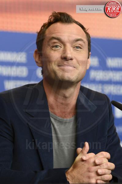 Jude Law - Berlino - 16-02-2016 - Jude Law nei panni di Albus Silente? Wow!