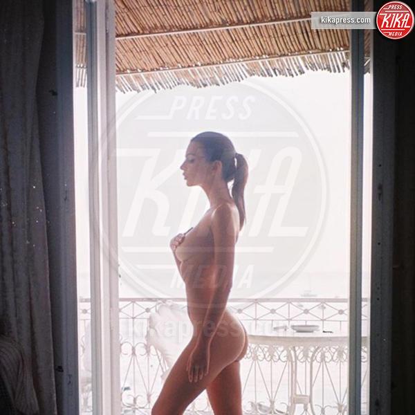 Emily Ratajkowski - 16-02-2016 - Emily Ratajkowski nuda, ma c'è lo spettro anoressia!