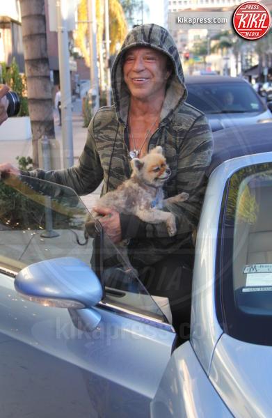 Mickey Rourke - Beverly Hills - 16-02-2016 - Star come noi: la vita non è la stessa senza un cane