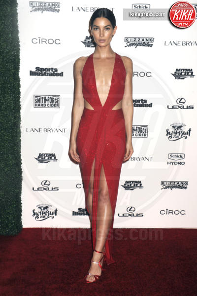 Lily Aldridge - New York - 17-02-2016 - Gigi Hadid, sotto il vestito poco, ma quale vestito?
