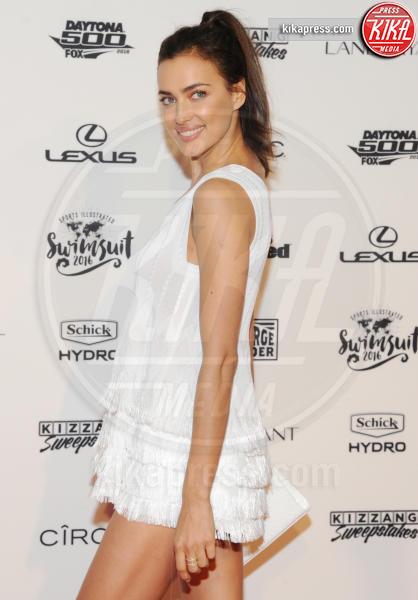 Irina Shayk - New York - 17-02-2016 - Gigi Hadid, sotto il vestito poco, ma quale vestito?