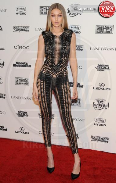 Gigi Hadid - New York - 17-02-2016 - Gigi Hadid, sotto il vestito poco, ma quale vestito?