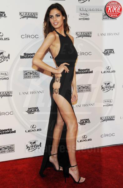 Bo Krsmanovic - New York - 17-02-2016 - Gigi Hadid, sotto il vestito poco, ma quale vestito?