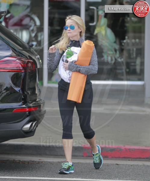 Reese Witherspoon - Los Angeles - 18-02-2016 - Ma dove vai... se lo yoga non lo fai?