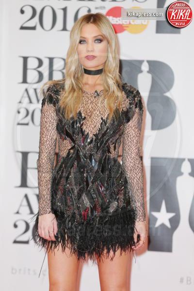 Laura Whitmore - Londra - 24-02-2016 - Kylie Minogue arriva con il futuro marito ai Brit Awards